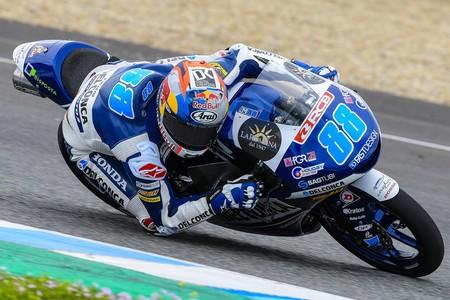 Jorge Martín lidera el primer día en Losail con récord absoluto de la pista en Moto3 incluido