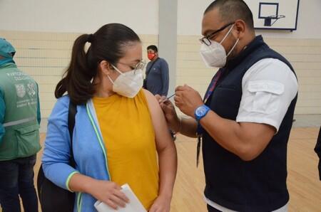 Vacunación contra COVID-19 en CDMX: comienza aplicación de segunda dosis para adultos de 30 a 39 años, fechas y alcaldías