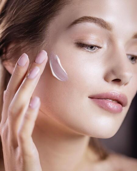 La mascarilla Crème à la Rose Noire de Sisley tiene ahora un 46% de descuento en Amazon y es un producto perfecto para revitalizar la piel durante el verano