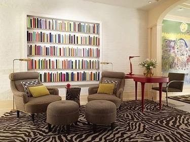 Grandes soluciones para espacios pequeños: integrar la librería en la pared