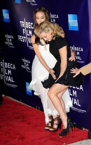 Kate Hudson en el Festival de Tribeca: el viento estaba empeñado en subirle la falda
