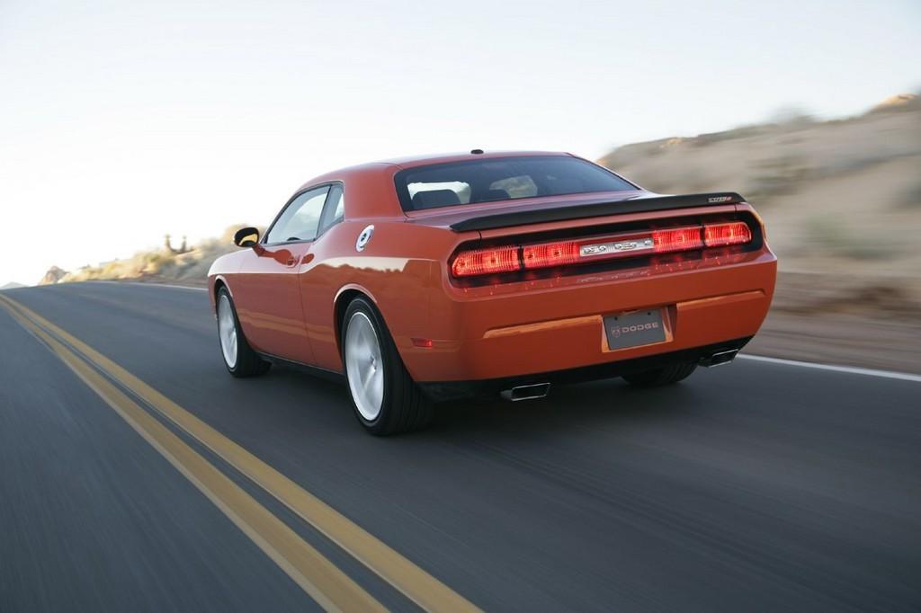 Foto de Dodge Challenger SRT8 (31/103)