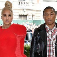 Pharrell Williams llega a la MET Gala con su esposa obedeciendo a la temática de la exhibición