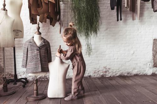 La seda, el cashemere y las pieles visten la nueva (e increíble) colección de Zara Baby