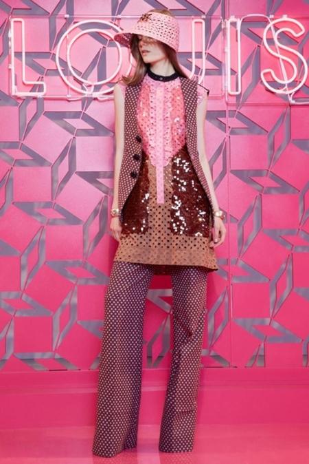 Louis Vuitton Resort 2013: viaje a los años 70 en jet privado