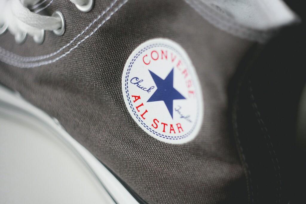 Converse ha empezado sus rebajas y ya puedes ahorrar hasta un 40% en tus zapatillas preferidas