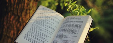 27 libros imprescindibles que el equipo de Xataka recomienda para leer y regalar