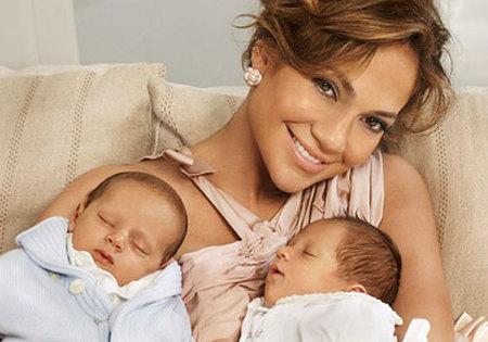 Jennifer Lopez no descarta colegio de la Cienciología para los gemelos