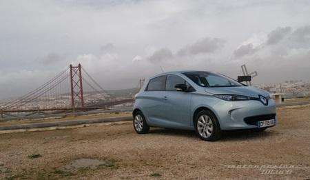 Una base de carga gratuita para los compradores ingleses del Renault ZOE