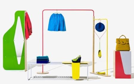 Los muebles de Benetton, como debe ser, llenos de color