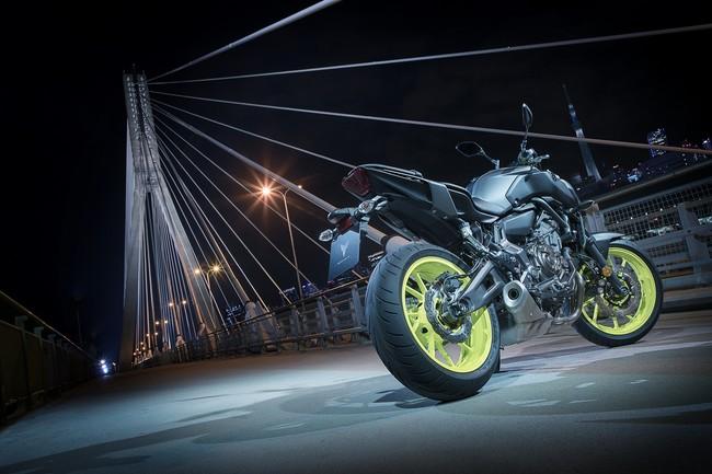 La nueva Yamaha MT-07 ha fusilado el precio del modelo anterior para seguir siendo una naked superventas