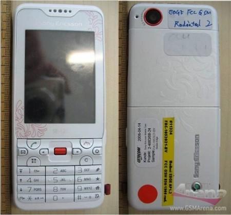 Sony Ericsson G702, con pantalla táctil