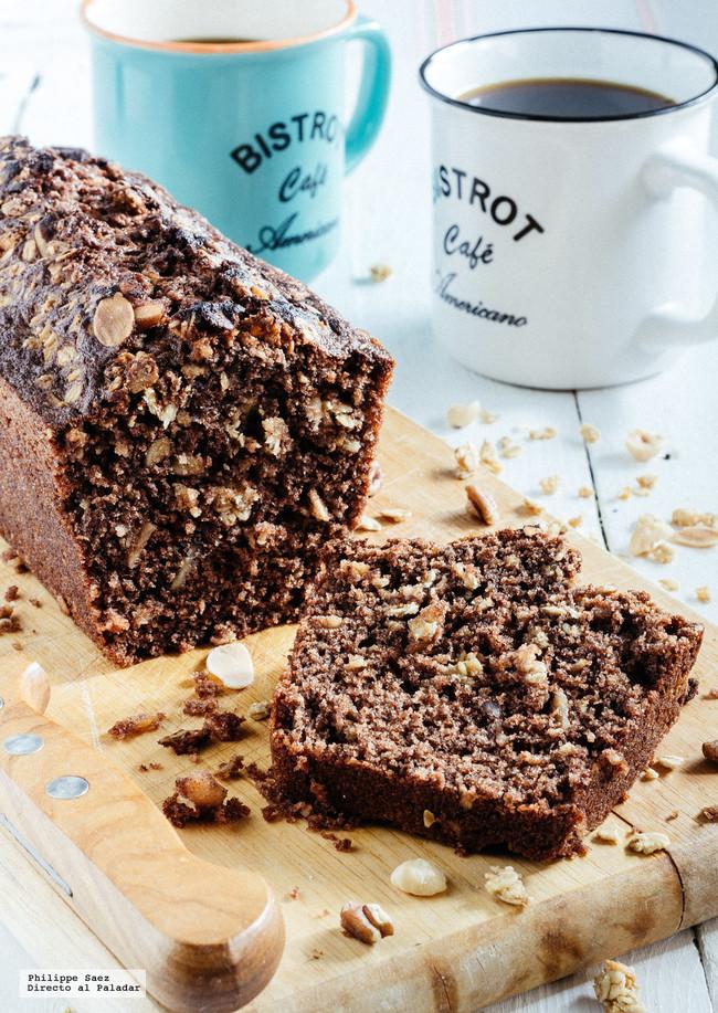 Panqué de chocolate y muesli. Receta fácil de postre