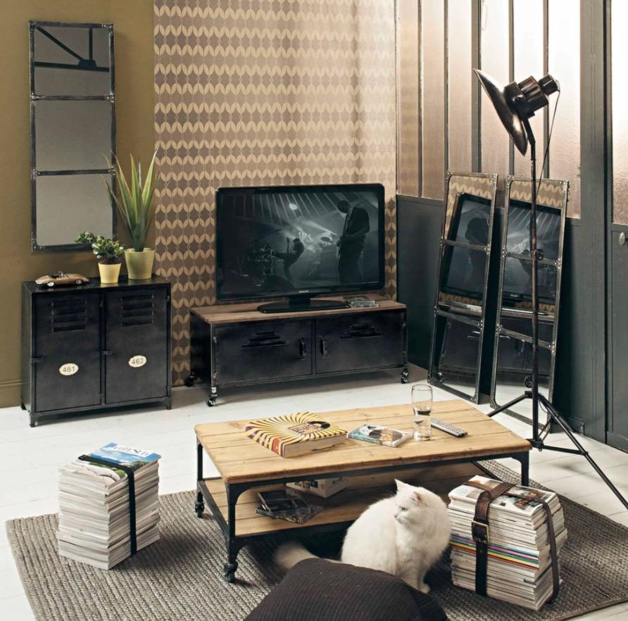 Mueble de TV industrial con ruedas de metal y abeto