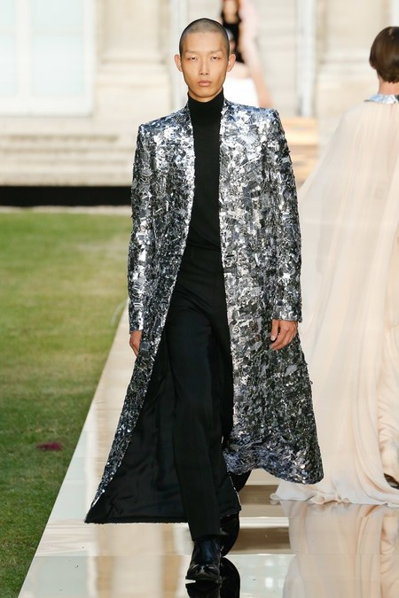 Givenchy Men Haute Couture Fall Winter 2018 Paris 02