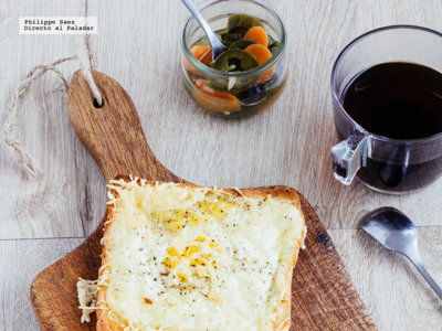 Tostadas de huevo y queso. Receta para el desayuno