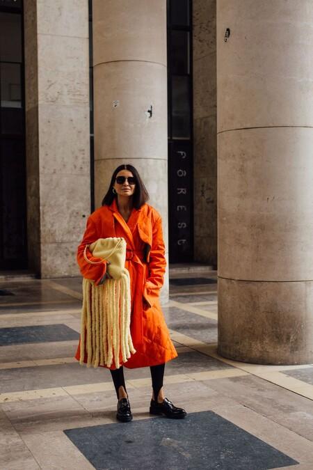Que no decaiga el ánimo en invierno, nueve abrigos a todo color que lograrán captar todas las miradas
