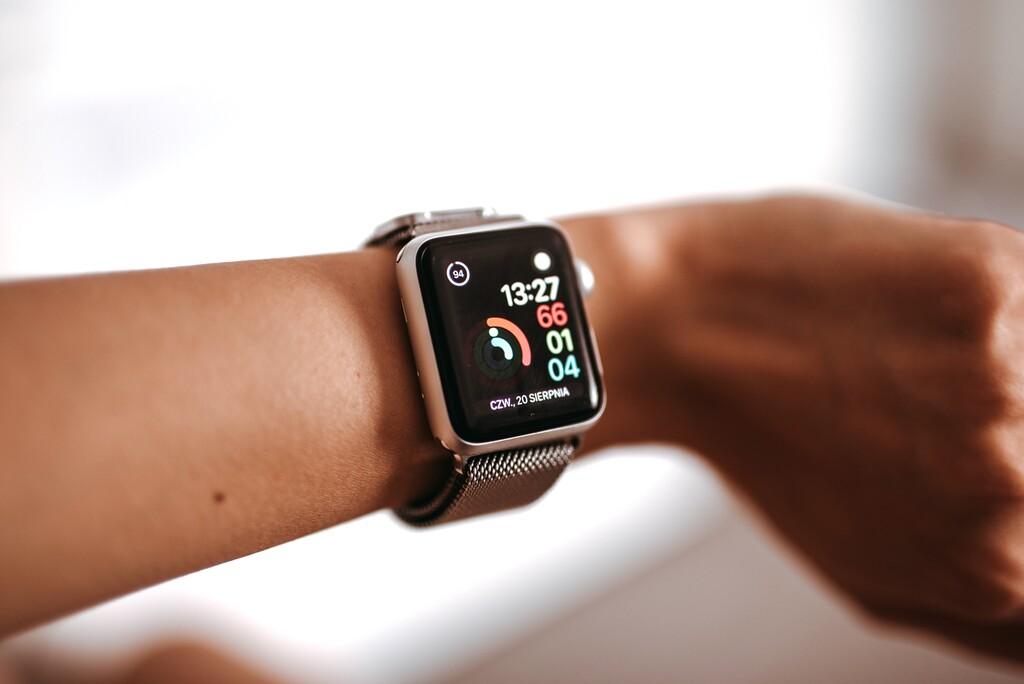 Apple publica tres nuevos anuncios del Apple Watch y el seguimiento deportivo, el del sueño y la función de ECG