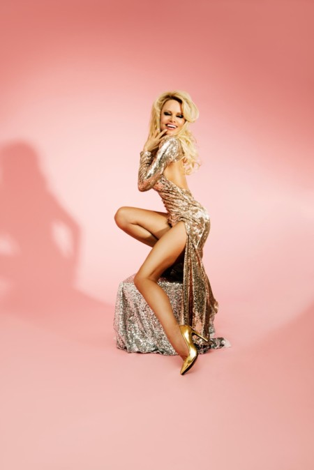 Pamela Anderson Campana Missguided 2016 2