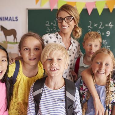 """La emotiva actividad de una profesora para ayudar a sus alumnos a soltar su """"bagaje emocional"""" y fomentar la empatía"""