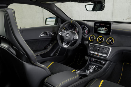 Mercedes-AMG GLA 45 2017 Yellow Night Edition