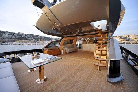 El yate más caro del mundo - cubierta