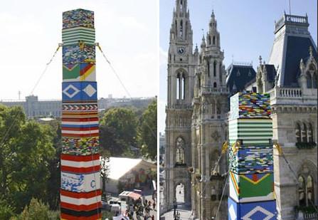 Un grupo de niños crea la torre Lego más alta del mundo