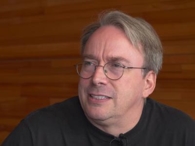 Linus Torvalds desearía que hubiese un solo escritorio estandarizado para todas las distros Linux