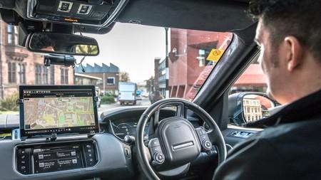 Jaguar Land Rover invierte tres millones de dólares en el servicio de taxis autónomos Voyage