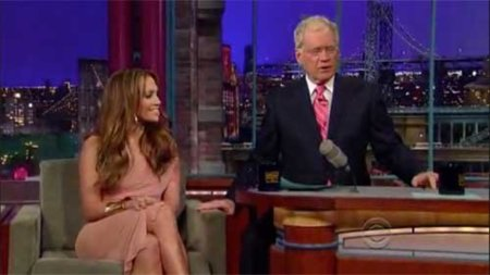 Jennifer Lopez y sus looks de promoción