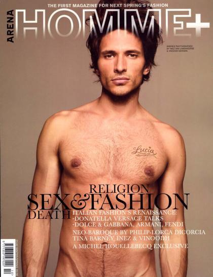 Andres Velencoso Segura se desnuda
