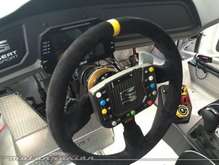 Volante Seat Leon Cup Racer 2015
