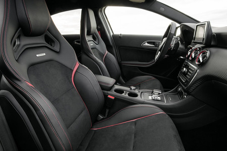 Mercedes A45 AMG, vista interior