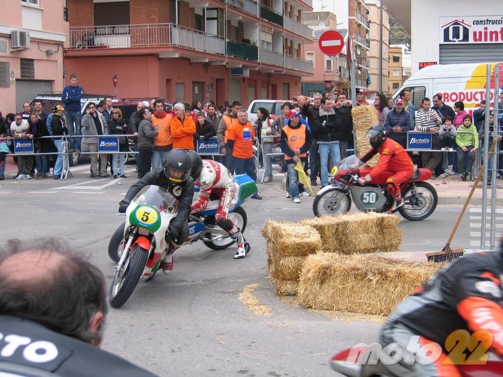 Foto de Motos clásicas en Cullera, la crónica de unas carreras clásicas en circuito urbano (7/26)