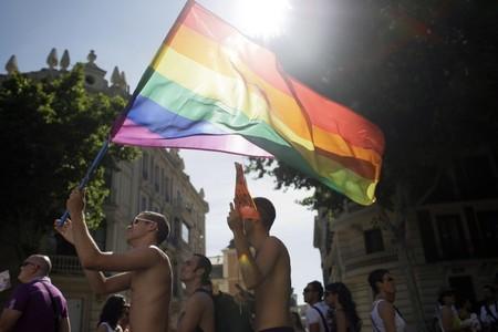 El mundo se llena de arco iris en el mes del Orgullo, pero ¿por qué arco iris? Este es el origen de la bandera LGTB