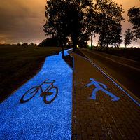 Atención ciclistas: un carril bici que brilla en la oscuridad y funciona con energía solar