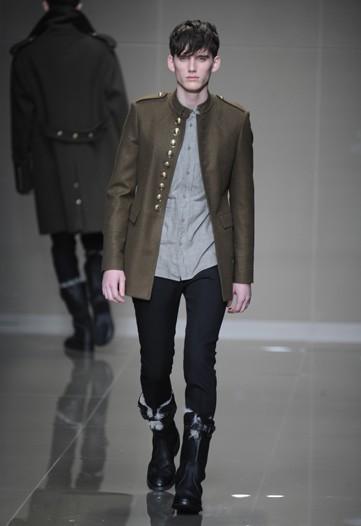 Foto de Burberry Prorsum, Otoño-Invierno 2010/2011 en la Semana de la Moda de Milán (2/16)