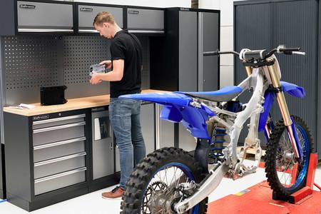 Una Yamaha YZ250F eléctrica de motocross con batería intercambiable podría ser el resultado final de este proyecto