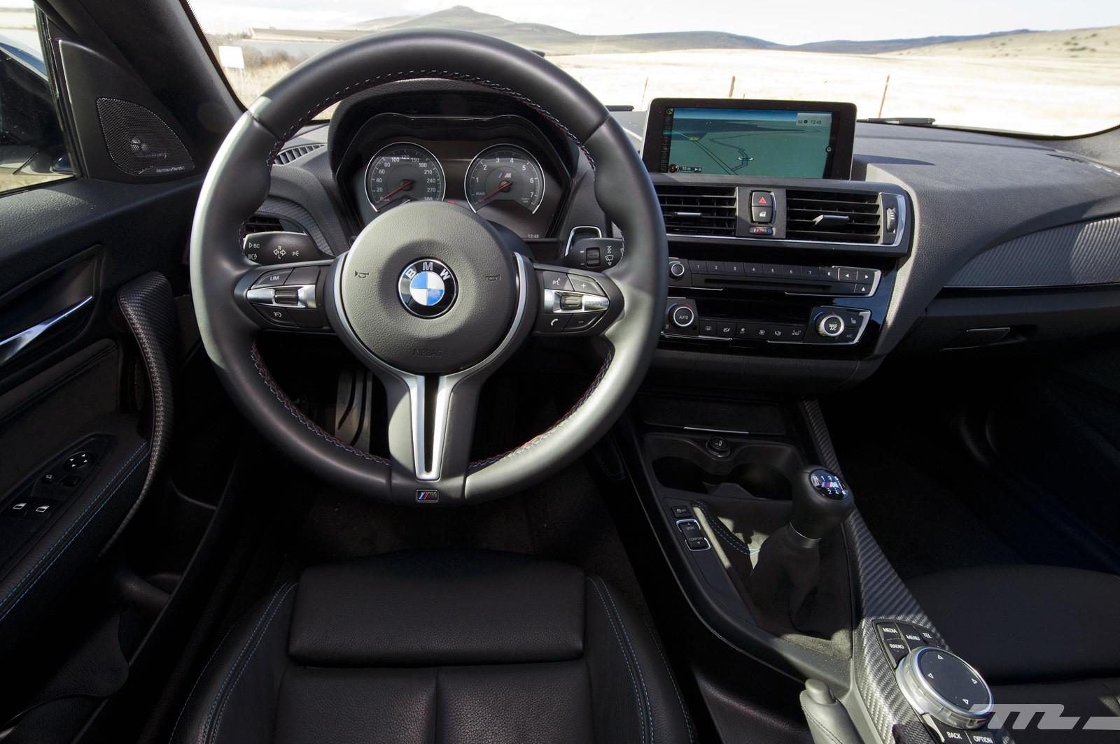 Foto de Abarth 695 Biposto vs BMW M2 (15/44)