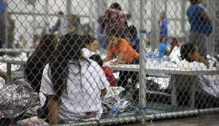 Trump da marcha atrás y firma un decreto para evitar la separación de familias migrantes