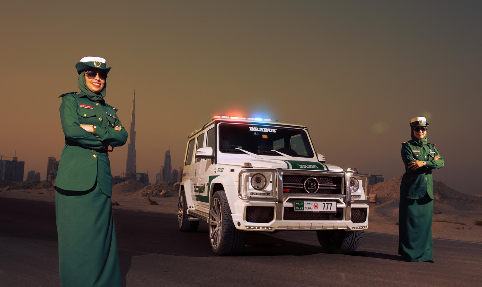 Brabus B63S–700 Widestar Policía Dubái