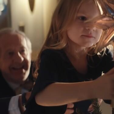 El anuncio que mejor refleja la magia de la Navidad este año se centra en el amor entre abuelos y nietos: te emocionará