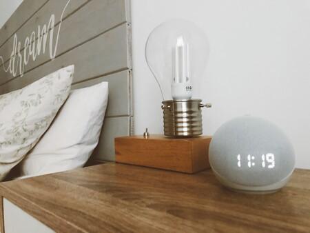 Probamos el Echo Dot con reloj de Amazon, la nueva generación de su altavoz inteligente más vendido que destaca por su bonito diseño redondo