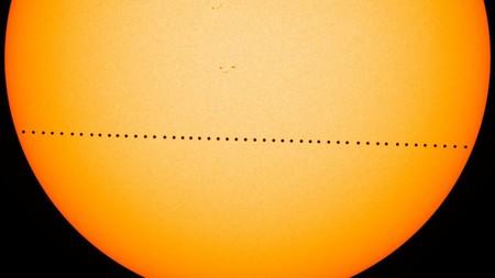 Hoy podremos ver el tránsito de Mercurio atravesando el Sol, pero no hay que olvidar las precauciones al observarlo