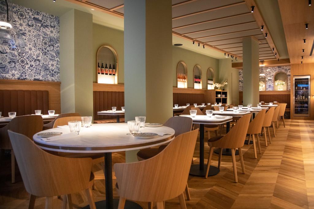 El chef Paco Pérez muestra su lado más moderno y urbano en su restaurante Al lado diseñado por Flop