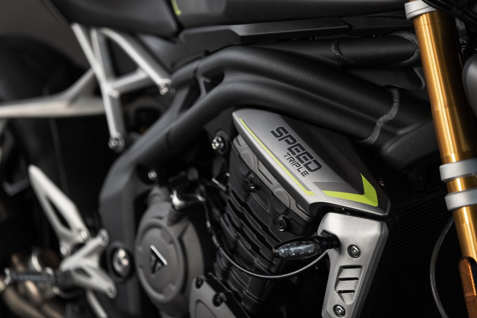 Foto de Triumph Speed Triple 1200 RS 2021 (17/71)