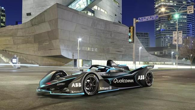 Video: ¿Qué tanto más rápidos son los nuevos autos de Fórmula E comparados con la primera generación?