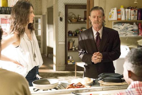 'Shameless' comienza su temporada 8 acomodada en su propia fórmula