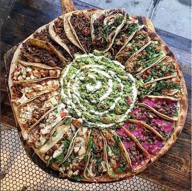 Imposible resistirse: restaurante en Nueva Jersey crea una pizza con 24 tacos encima