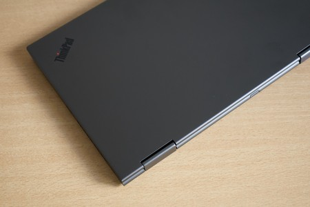 Lenovo Thinkpad X1 Yoga Review Xataka Carcasa Diseno